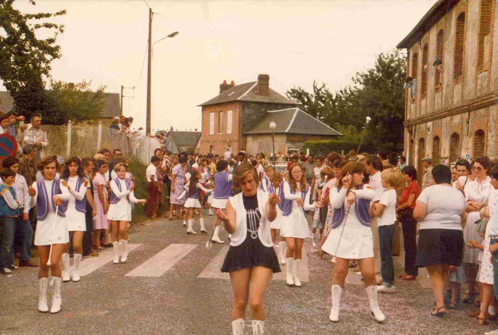 1983-(9)